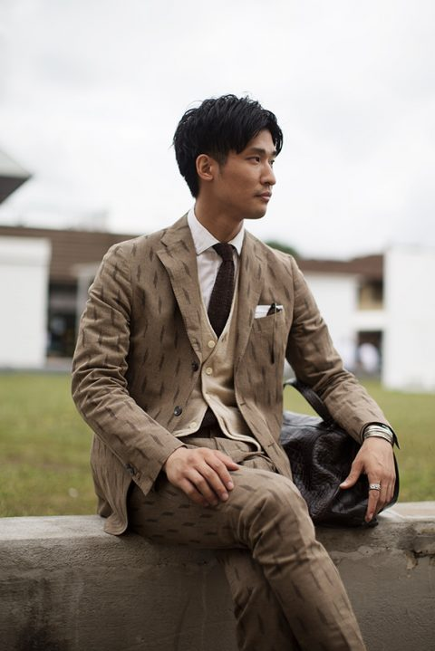 Brown suits worn in street – Fortezza. Florence