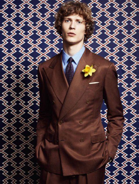 Traje marrón vestido or Sven de Vries para Style Magazine
