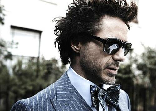 Traje diplomático gris vestido por Robert Downey Jr.