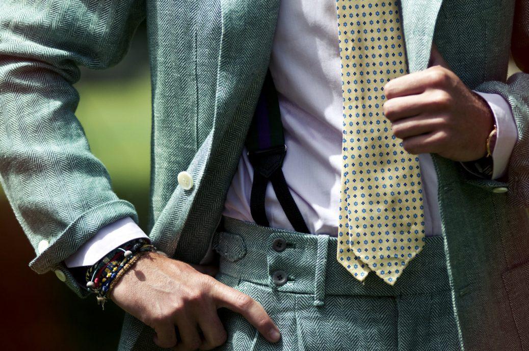 Detalle traje verde espiga Rubinacci