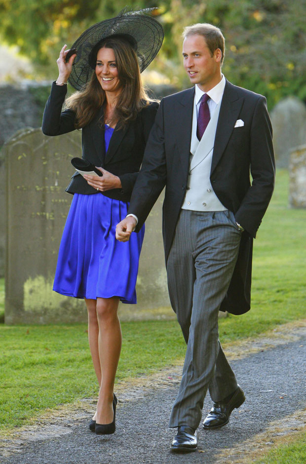 Chaquet y chaleco cruzado gris perla vestido por Príncipe Guillermo