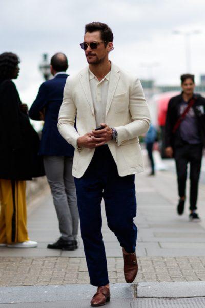Americana blanca bolsillo parche vestida por David Gandy